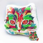 Pack Almohada Decorativa + llavero gato arcoiris