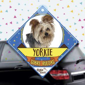 Colgante de auto de perro raza Yorkshire