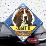 Colgante de auto de perro raza Basset