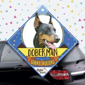 Colgante de auto de perro raza doberman