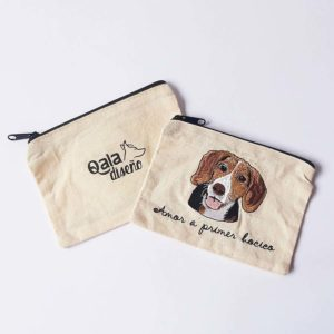 Monedero bordado beagle