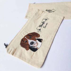 Cartuchera bordada beagle