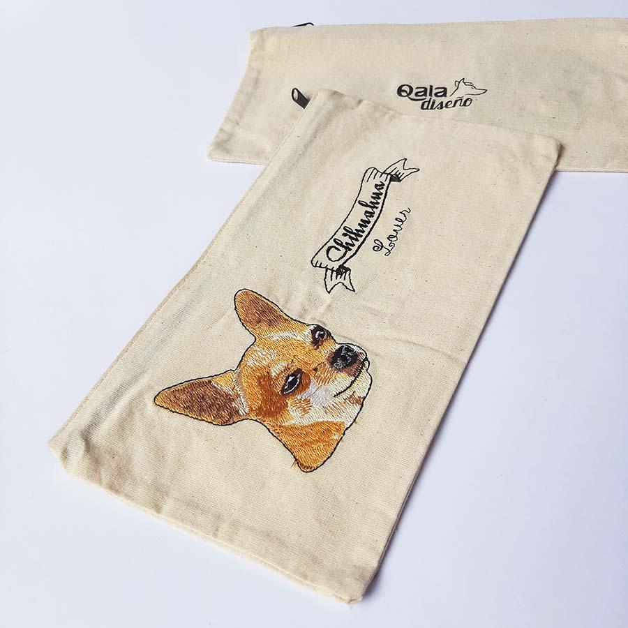 Cartuchera bordada chihuahua