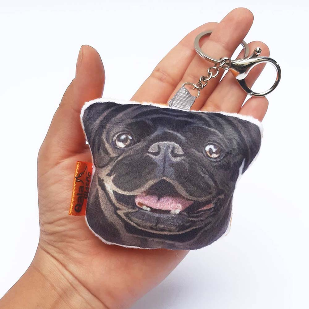 Llavero hecho a mano Pug Negro
